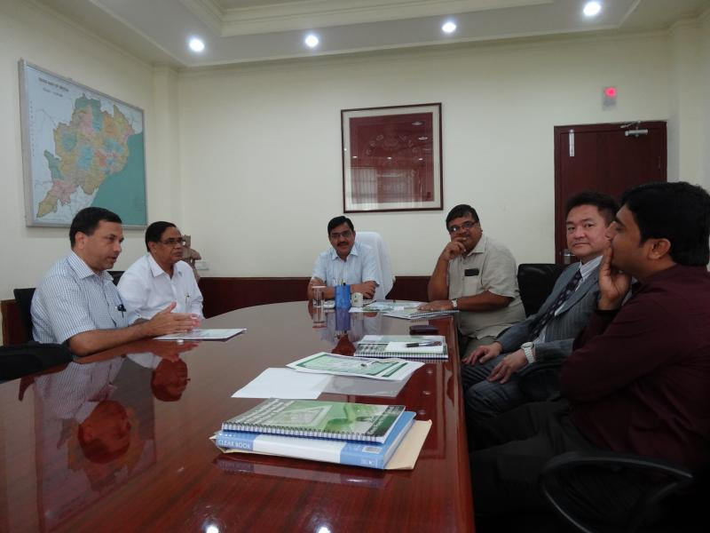 JGreen team with Chief Secretary during the project presentation